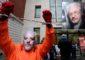 Захарова посоветовала США и Британии покарать себя санкциями за Ассанжа