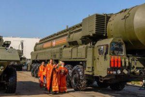 РПЦ может изменить процедуру освящения оружия в армии