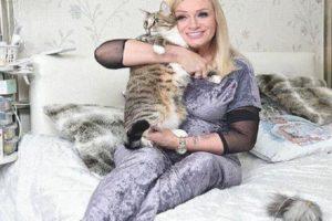 Наталия Гулькина тайно выступила с концертом во время пандемии коронавируса