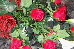 Как выбрать цветы на погребение