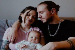 Звезды YouTube Наталья Ящук и Александр Хоменко объявили о разводе спустя полгода после рождения дочери