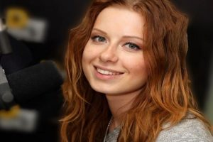 Певица Юлия Савичева смогла предсказать дату рождения дочери