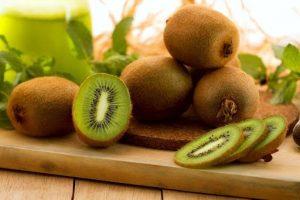 Диетологи рассказали, какие фрукты и овощи есть с кожурой