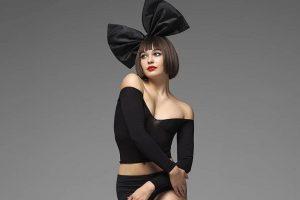 44-летняя певица Sia стала бабушкой
